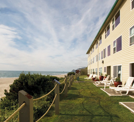 Pelican Shores Inn