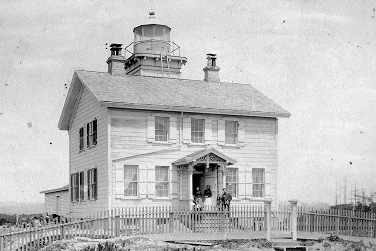 This old photograph dates from around 1890 and shows the Yaquina Bay Lighthouse after it was removed from service.