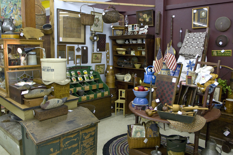 Found Objects: Antiquing in Lincoln City