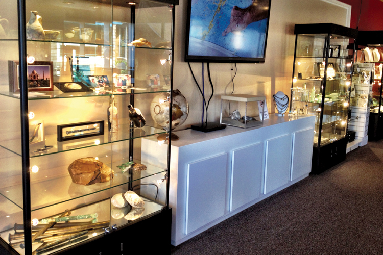 Cannon Beach Treasure Company Expands to New Downtown Location