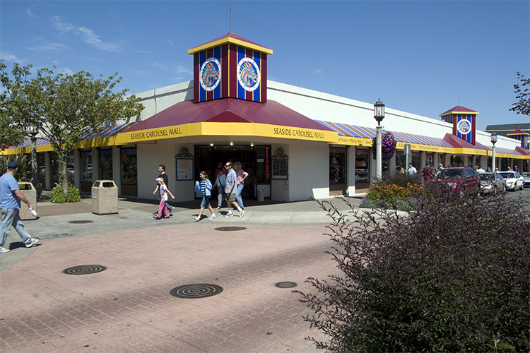 The Seaside Carousel Mall on Broadway Street houses an old fashioned indoor carousel.
