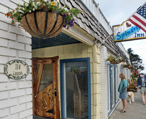 Spring Romance Offers at Spindrift Inn in Manzanita