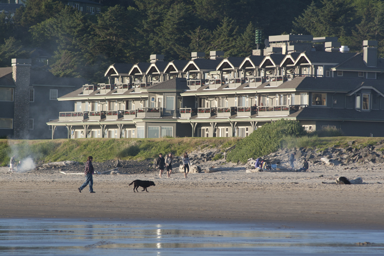 The Stephanie Inn offers luxurious accommodations on the oceanfront in the Tolovana Park area of Cannon Beach.